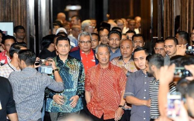 Muhyiddin bawa Bersatu keluar PH punca kerajaan jatuh, kata Mahathir