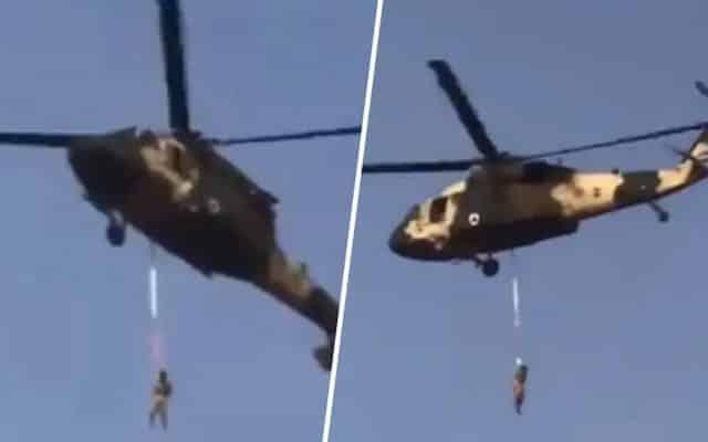 TULAR !!! [Video] Taliban 'Gantung' orang bawah helikopter, ini penjelasannya..